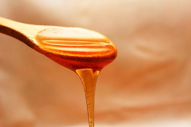 Jak v kuchyni hravě nahradit rafinovaný cukr?