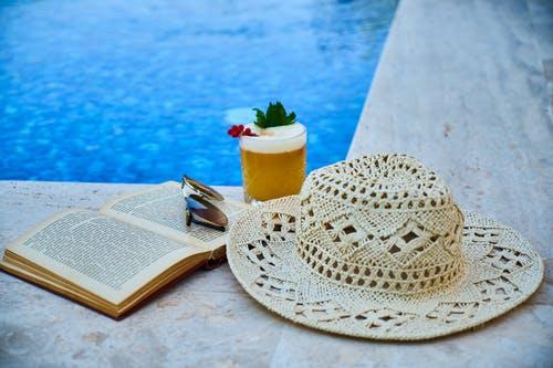 Napouštíme bazén! Jaká filtrační náplň je lepší? Písek nebo kuličky?